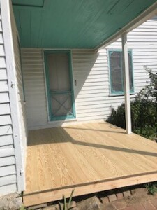 Sautter House porch (2)
